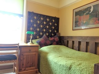Artist Cottage B&B - Single Room - Headington vacation rentals