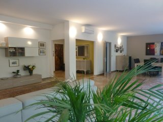 TORTORA Stylish Flat 3BR /2BTH  Centre Padova - Padua vacation rentals
