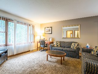 Cozy 2 bedroom Parma Condo with Internet Access - Parma vacation rentals