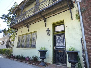 Magnolia Hall on Bay Street! SVR00710 - Savannah vacation rentals