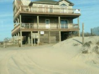 THE SANDMIX  ( 4X4 Carova Beach) LUXURIOUS HOME WITH GREAT OCEAN AND SOUND VIEWS - Corolla vacation rentals