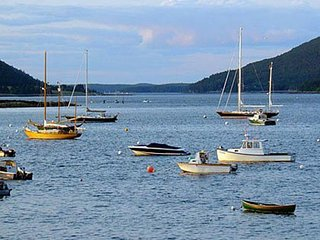 Waterfront studio w/ lovely harbor views - close to hiking, boating & shops! - Southwest Harbor vacation rentals