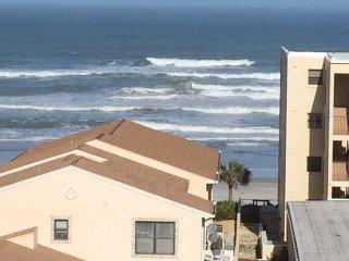 2 bedroom Apartment with Internet Access in Daytona Beach Shores - Daytona Beach Shores vacation rentals