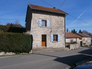 Delightful, dog-friendly stone house in Creuse, sleeps up to 4 in two doubles - Bourganeuf vacation rentals
