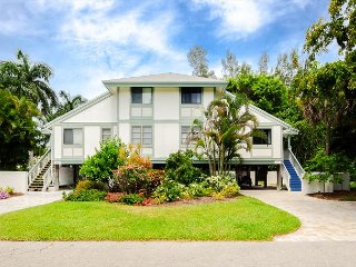Oasis Inn the Dunes: Bright & Beautifully Updated Home Great Island Location! - Sanibel Island vacation rentals