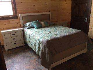 3 bedroom House with Deck in Sullivan - Sullivan vacation rentals