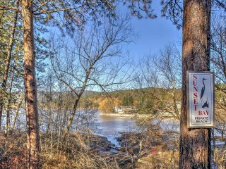 NEW! 2BR Nine Mile Falls Condo w/ Private Dock! - Nine Mile Falls vacation rentals