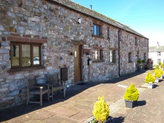 BRAMBLE HARE COTTAGE, mid-terrace, great views, woodburning stove near Ireby - Ireby vacation rentals