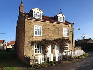 ABAN COTTAGE, beautiful semi-detached character cottage, woodburner, WiFi, in - Harome vacation rentals