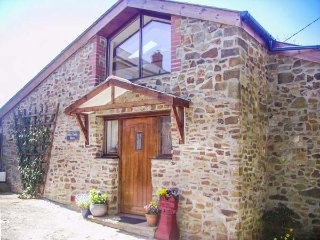 DILLY DALLY BARN, detached conversion, woodburner, WiFi, single-storey - Bradworthy vacation rentals