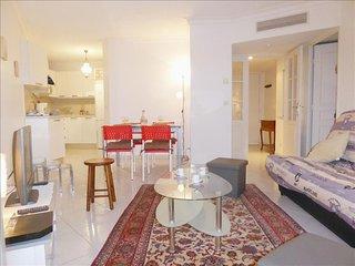 L'appartement Le Jardin des Pins - Juan-les-Pins vacation rentals