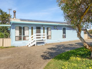Sugar Shack - One Street to the Popular Surf Beaches at Middleton - Middleton vacation rentals
