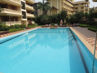 33) Ground Floor Spacious 2 bed Apart Regal Palms & WiFi - Candolim vacation rentals