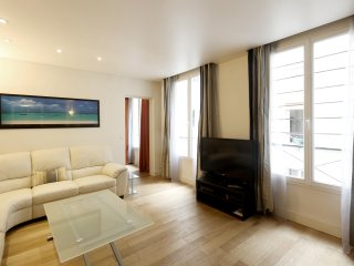 Modern, comfortable 50sqm 4 guests-pedestrian - P2 - Paris vacation rentals