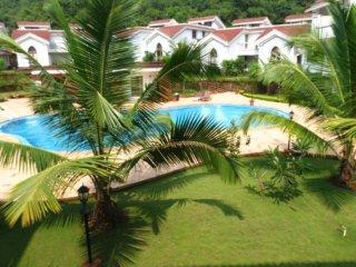 57) Luxury 2 Bedroom Apartment Foothills Arpora sleeps 6 & WiFi - Arpora vacation rentals