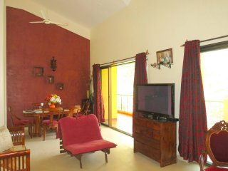 06) Spacious Penthouse 3 Bedroom Apartment Sleeps 7 & WiFi - Arpora vacation rentals