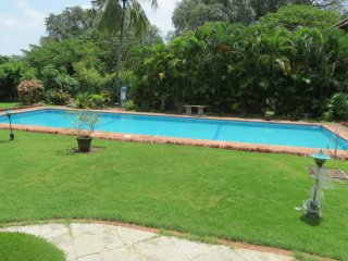 16) Luxurious Villa 750 mtrs from beach Candolim with fibre optic WiFi - Candolim vacation rentals
