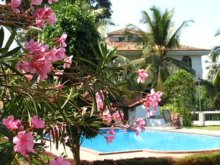 10) Spacious Airy 2 bedroom Villa, Central Arpora Sleeps 4 & Wi-Fi - Arpora vacation rentals