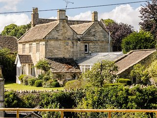 Pet Friendly Exquisite Grade 2 Listed Cottage Near Bath - Corston vacation rentals