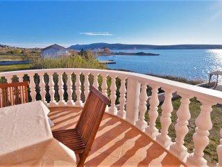 Seaside apartment in Vidalici, Croatia, with balcony overlooking the sea - Vidalici vacation rentals