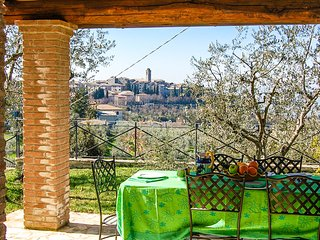 Detached villa with private pool 500 meter from village. Panoramic views. - Montecchio vacation rentals