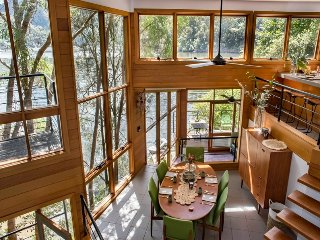 Riverfront 'Tree House' Escape, 8 Dusthole Point, Berowra Waters - Berowra Waters vacation rentals