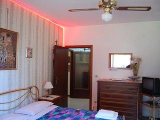 Nice Condo with Housekeeping Included and Television - Falconara Marittima vacation rentals