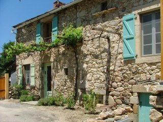 Large farmhouse w/terrace & garden - La Fouillade vacation rentals