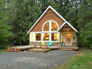 CR100aCityofGlacier - 01SL Snowline Cabin #1 - A perfect new contemporary - Glacier vacation rentals
