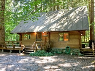 CR103zMapleFalls - 43MBR Mt. Baker Rim Cabin #43 - A Country Family Log Home! - Glacier vacation rentals