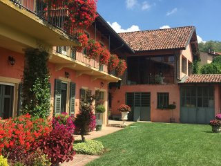 Monferrato farmhouse with salt water pool - Montemagno vacation rentals