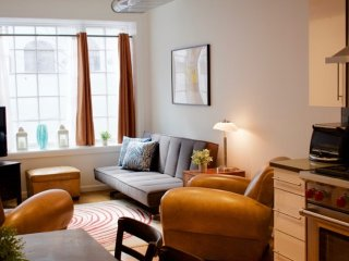 Bright Two Bedroom Apartment The East Village - New York City vacation rentals