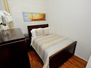 Urban 3 bedroom apartment in Midtown (8196) - West New York vacation rentals