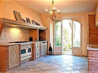 Nice 6 bedroom Forte Dei Marmi Villa with Internet Access - Forte Dei Marmi vacation rentals
