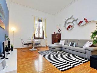 Hintown Napoleon living - Milan vacation rentals