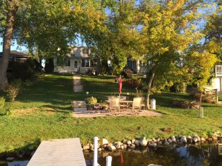 Family retreat on tranquil Waubeesee Lake in Southeastern Wisconsin - Wind Lake vacation rentals