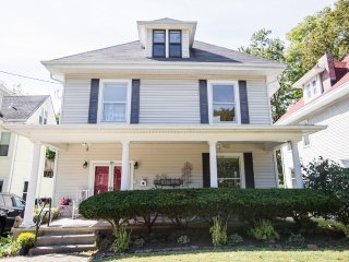 Spacious House with Internet Access and A/C - Saint Matthews vacation rentals