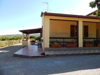 CASA ANGELO II: villetta nella campagna - Santa Maria La Palma vacation rentals