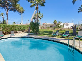 Bright 5 bedroom Playa de Palma Villa with Internet Access - Playa de Palma vacation rentals