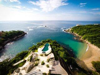 3 Bedroom + Den with Direct Beach Access & Amenities - Tangolunda vacation rentals