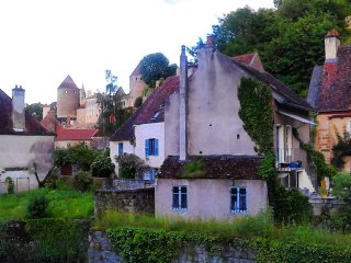 La Maison Du Pont (The Bridge House) - Semur-en-Auxois vacation rentals