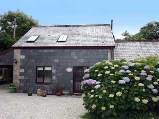 Comfortable 2 bedroom Luxulyan Cottage with Internet Access - Luxulyan vacation rentals