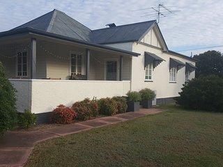 Nice 4 bedroom House in Ballandean - Ballandean vacation rentals
