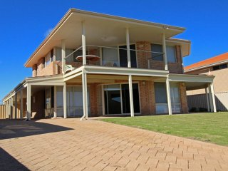 4 bedroom House with A/C in Jurien Bay - Jurien Bay vacation rentals