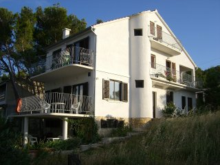 Apartment with wonderful sea view - Betina vacation rentals