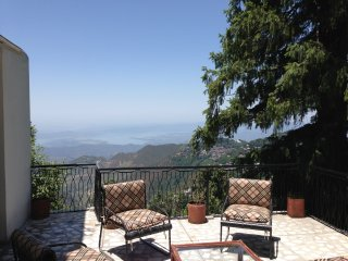 Cozy 3 bedroom Villa in Dalhousie with Housekeeping Included - Dalhousie vacation rentals