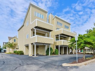 Ocean Block Townhome with Pool - Fenwick Island vacation rentals