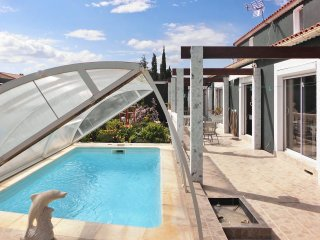 Naturist villa by the coast with pool - Treilles vacation rentals