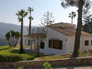 Nice Finca with Internet Access and Outdoor Dining Area - Tabernes de Valldigna vacation rentals