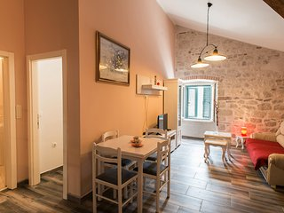 PUL 1...(1BDRM). Old Town just 30 seconds far away - Kotor vacation rentals